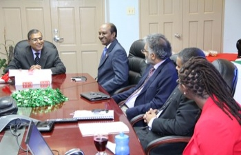 Visit of High Commissioner H.E. G.S. Gupta to University of Trinidad and Tobago (UTT)(Nov 29, 2013)