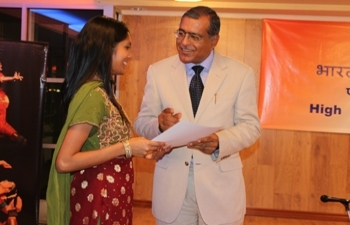Certificate awarding Ceremony for Hindi Students, May 09, 2014