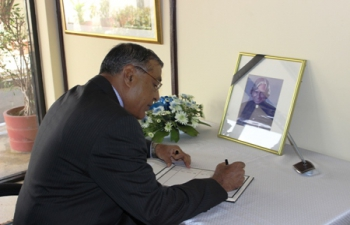 Ambassadors signing the Condolence book at the Chancery premises of High Commission of India, following the sad demise of Dr. APJ Abdul Kalam, former President of the Republic of India