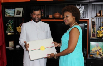 Minister of Consumer Affairs, Food and Public Distribution, Shri Ram Vilas Paswan called on Hon'ble Dr. Nyan Gadsby-Dolly, Minister of Community Development, Culture and the Arts of Trinidad and Tobago at her office in Port of Spain