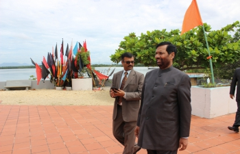 Minister of Consumer Affairs, Food and Public Distribution, Shri Ram Vilas Paswan, at the Temple in the Sea, Trinidad and Tobago, October 26, 2016