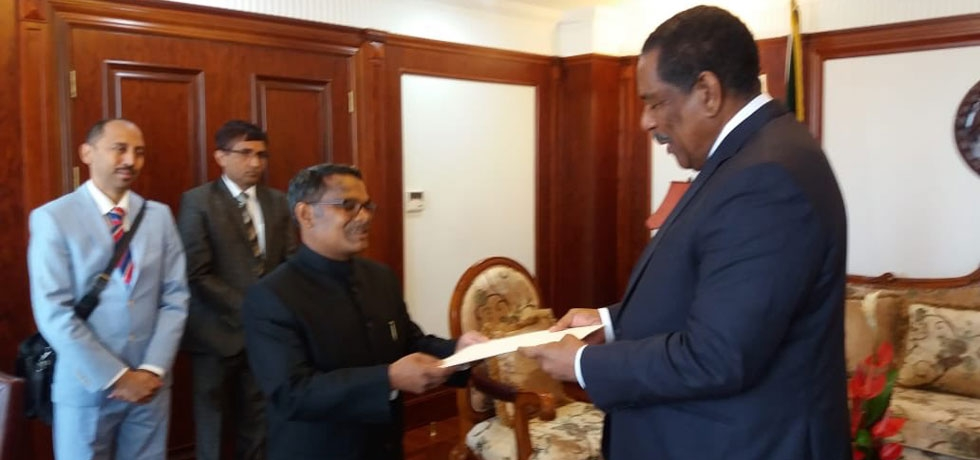High Commissioner H.E Mr Arun Kumar Sahu presenting credentials to the President of Commonwealth of Dominica HE Charles Savarin, DAH